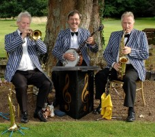 Fairhaven Woodland and Water Garden Classic Dixieland Trio