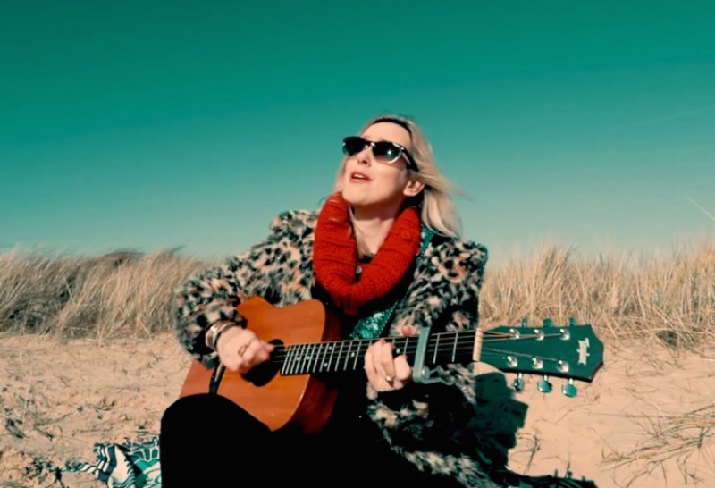 Lisa Redford Unplugged  - Anything But Easy